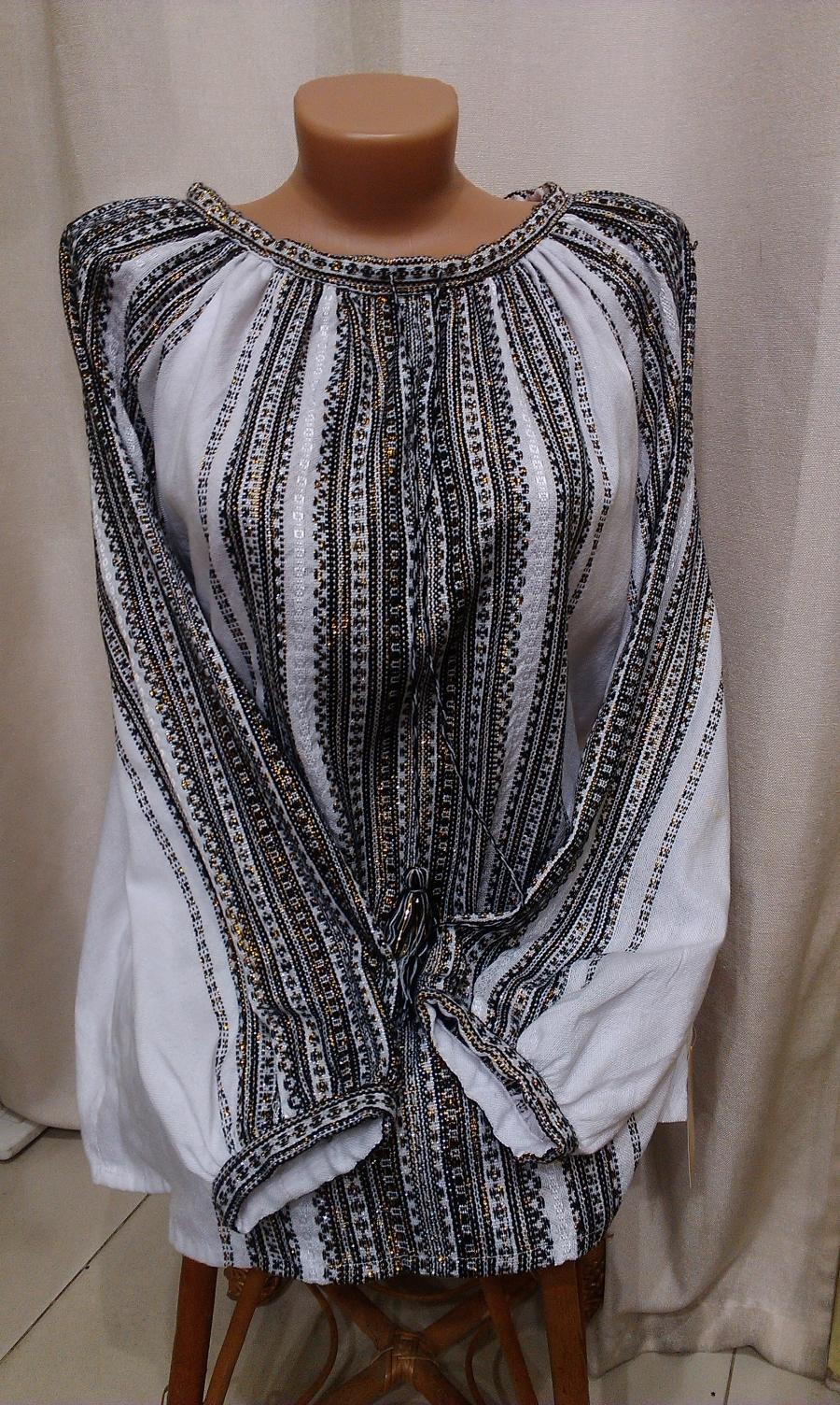 Блузка ткана на верстаті сіра. цена  700 грн. Ручна вишивка. Жіночий ... 991fdb90b545a