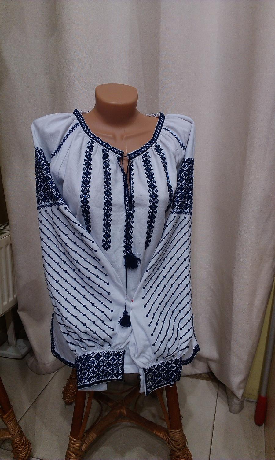 Блузка вкраплення бісеру. цена  5000 грн. Ручна вишивка. Жіночий одяг 94e99153af4b8