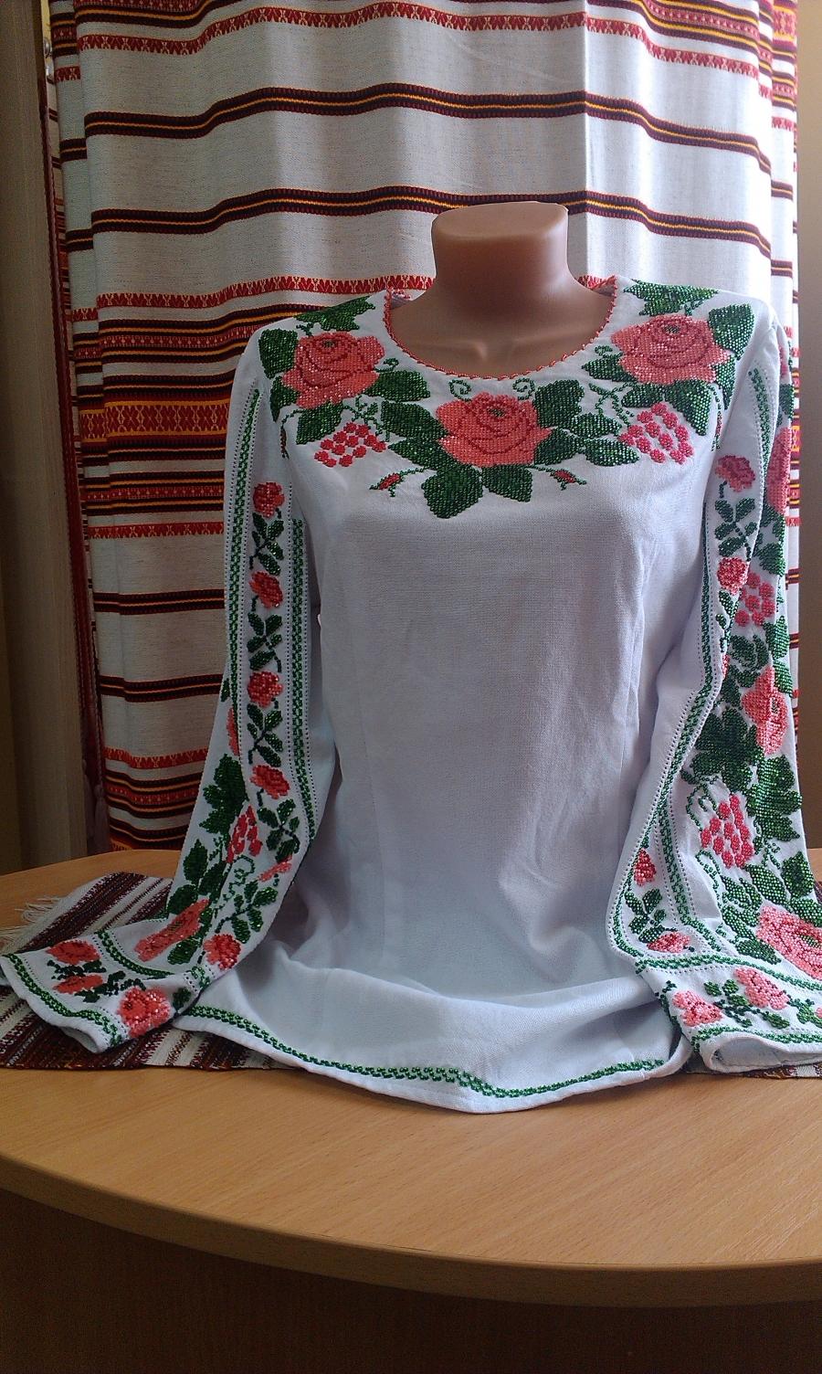 блузка бісер квіти рожеві. ціна  8000 грн. Ручна вишивка. Жіночий ... c0f884b188e95