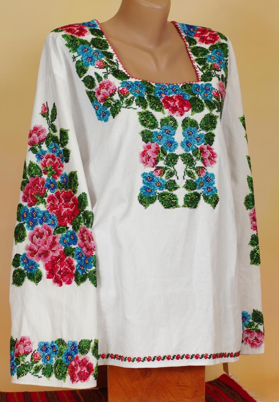 блузка дрібні рози. ціна  9000 грн. Ручна вишивка. Жіночий одяг ... f46b93db7bd50