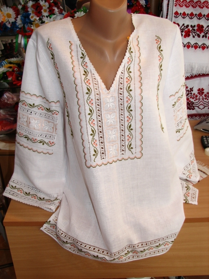 блузка порічки. ціна  3500 грн. Ручна вишивка. Жіночий одяг Магазин ... c8d924252c7a6