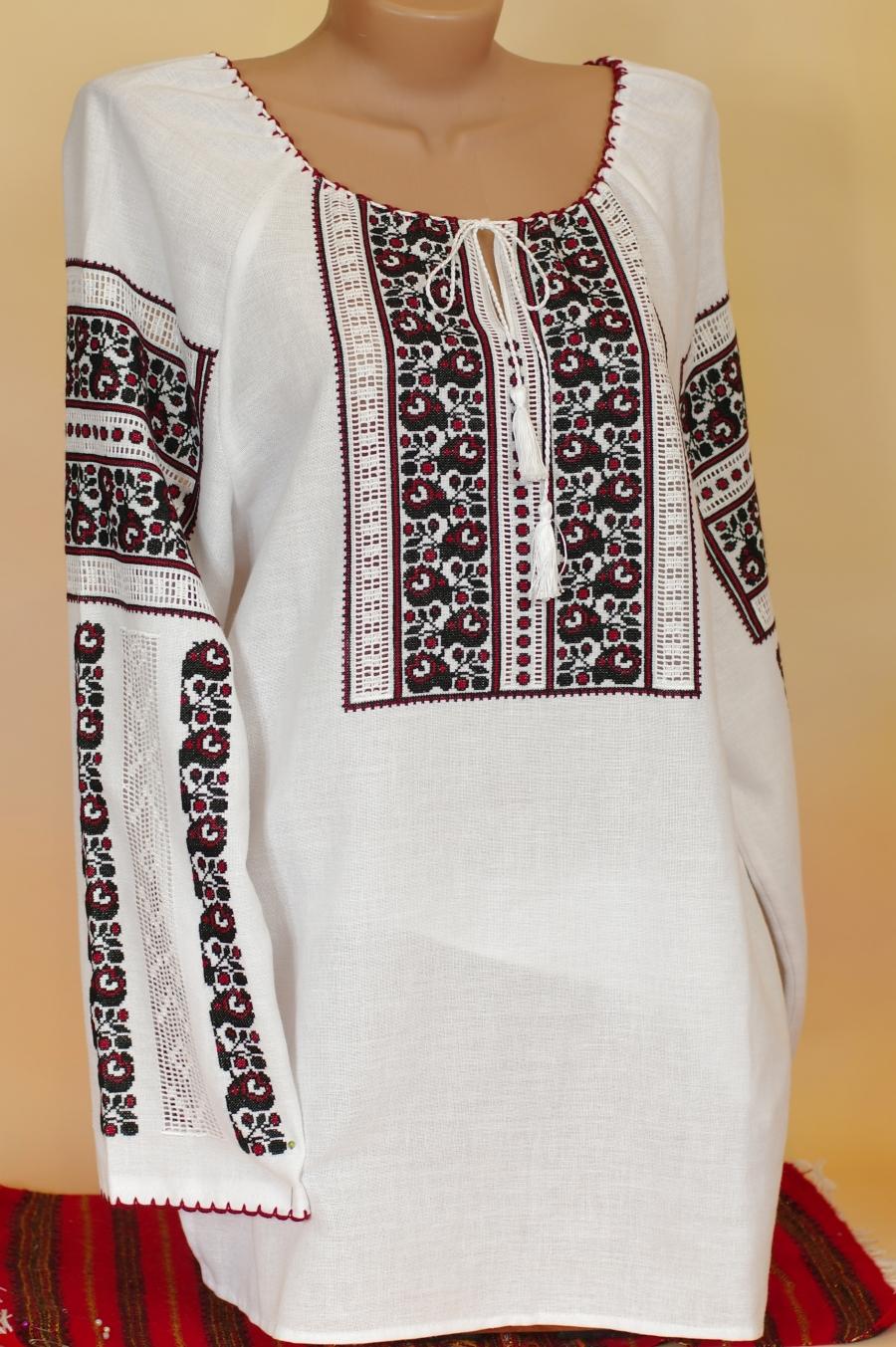 блузка квіткова. ціна  6000 грн. Ручна вишивка. Жіночий одяг Магазин ... 6d2ce158a480f